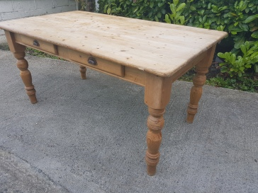 Pine Country Kitchen Style Table. Not a lot of Age but a good piece. E95.00